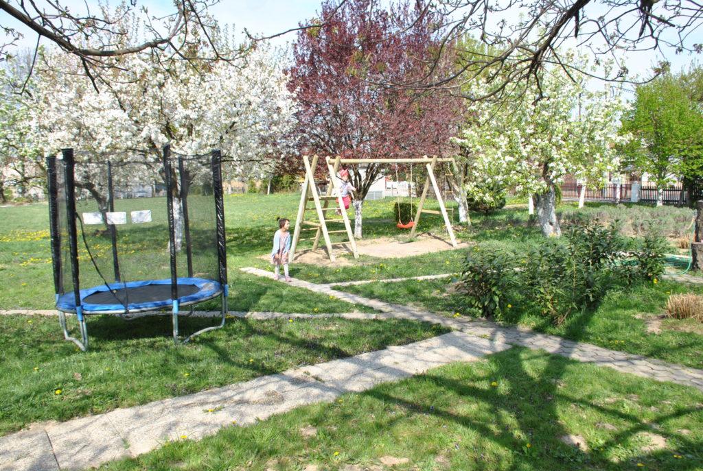 Ljuljačka i trampolin